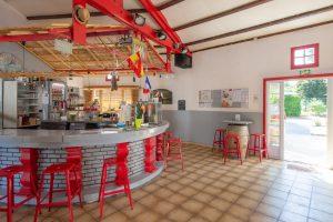 bar-campinglesmaraises